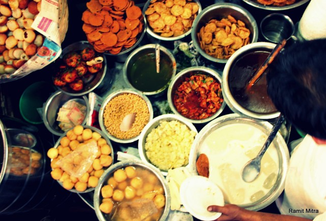 Chaat makers in Delhi mix up 10-12 different ingredients in multiple combinations to produce innovative & healthy chaats.