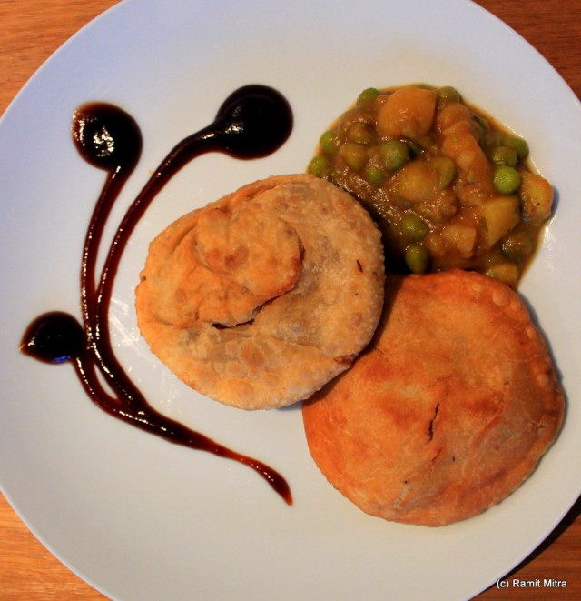 Pyaaz Kachori and Aloo Subzee, is a favourite snack of North and West India and reflects a perfect blend of digestive spices and good carbs